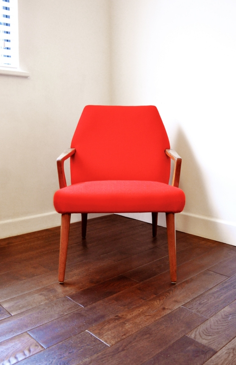 red_chair2